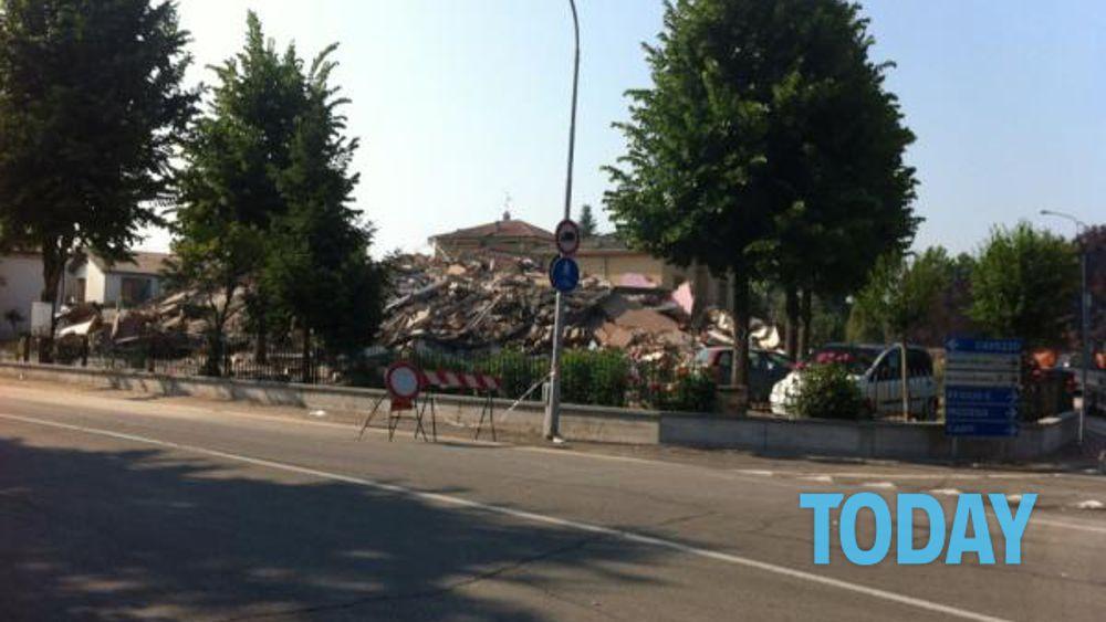 Terremoto 29 maggio 2012 le foto dei crolli for Palazzo a 4 piani