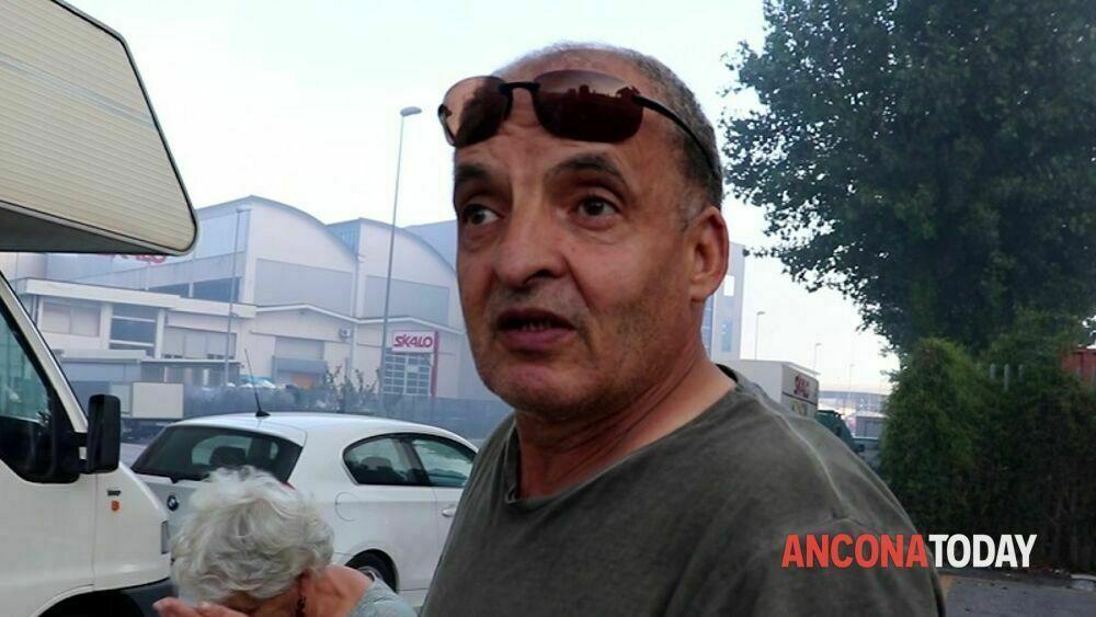 """Il camionista scampato al maxi incendio di Ancona: """"Sei o sette esplosioni, potevo morire"""" thumbnail"""