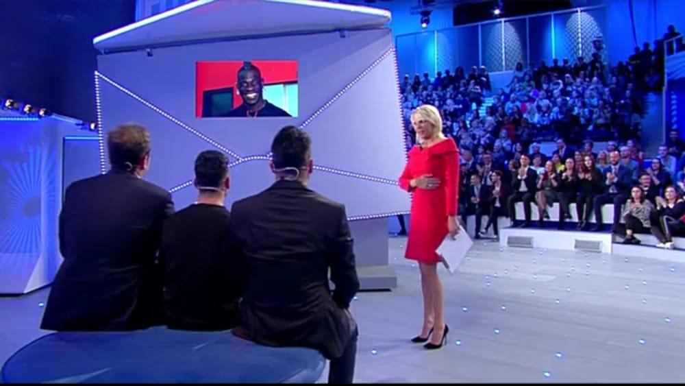 C E Posta Per Te Lo Show Di Pio E Amedeo Con Balotelli E Maria De Filippi