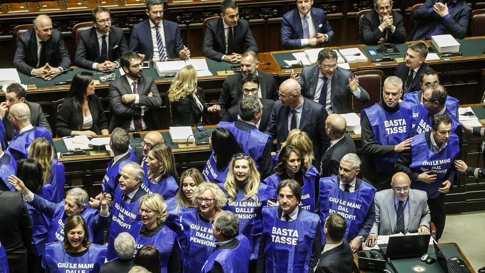 Manovra voto finale in diretta dalla camera dei deputati for Diretta camera deputati