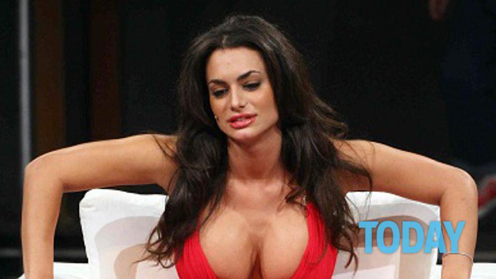 nude brazilian beautiful women