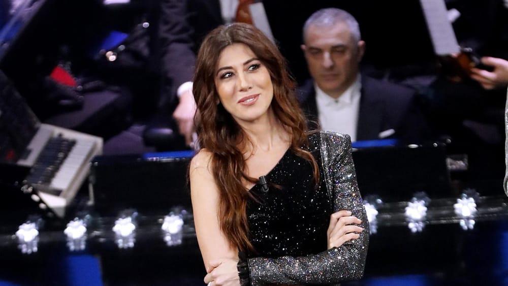 Sanremo 2019 | Virginia Raffaele | vestiti stilisti | quarta