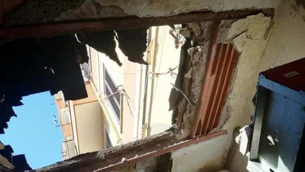 Esce per stendere i panni e il terrazzo crolla su un garage - Pignoramento prima casa 2017 ...