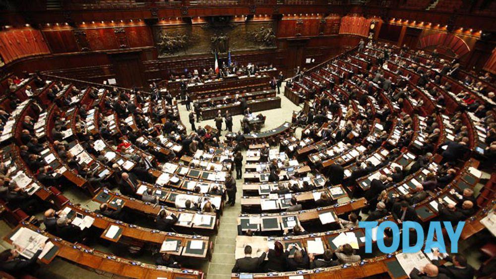 Camera stipendi senza senso i commessi guadagnano come for Camera deputati web
