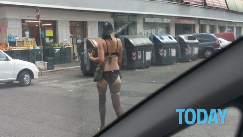 Prostitute street view italia