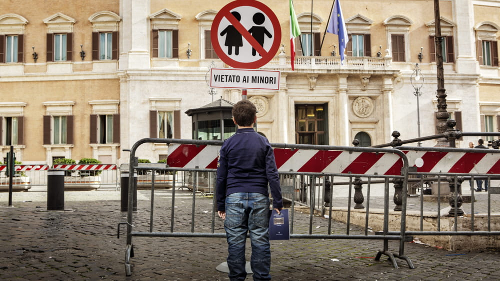 Italia vietata ai minori bambini e ragazzi senza for Web tv camera dei deputati