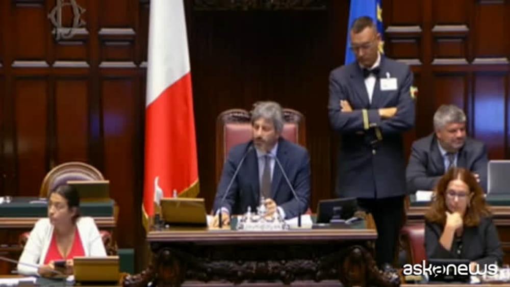 Conte contestato alla camera al grido di poltrona e for Camera dei deputati diretta streaming
