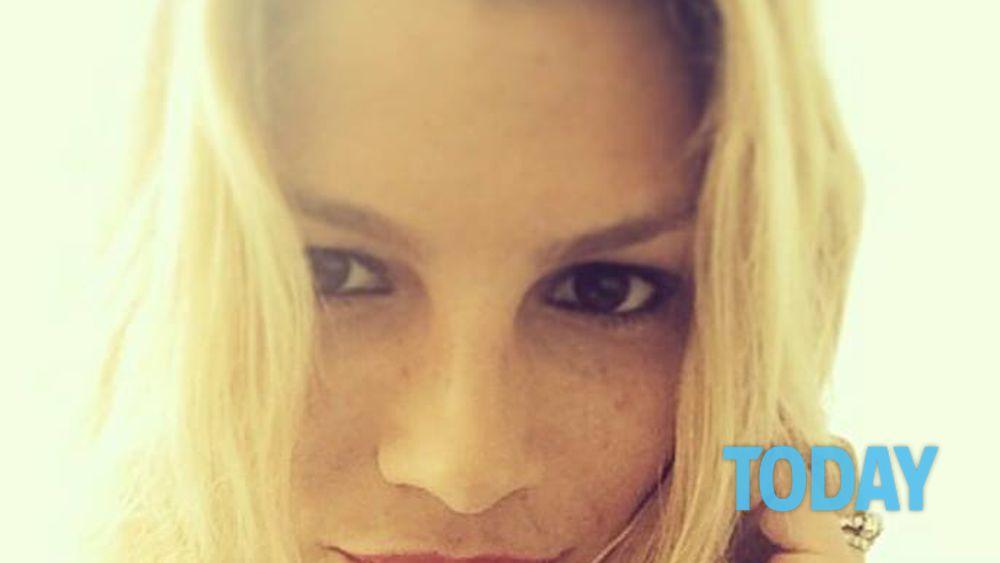 buy popular b863c b430d Emma Marrone cuore d'oro, parla l'ex datrice di lavoro ...
