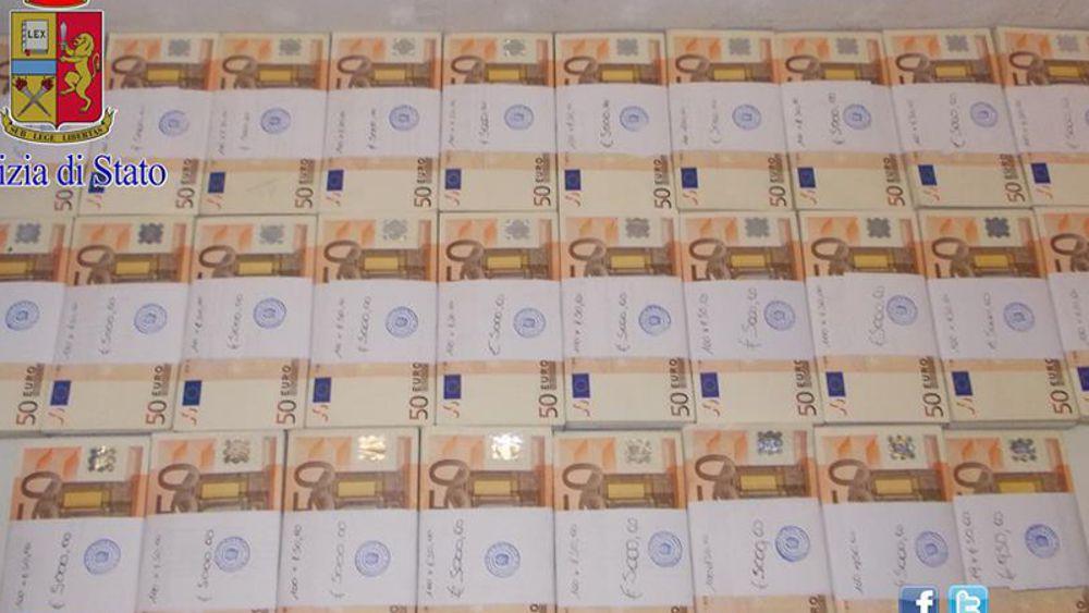 Anziane sorelle vivevano da povere in casa 200mila euro - Soldi contanti a casa ...