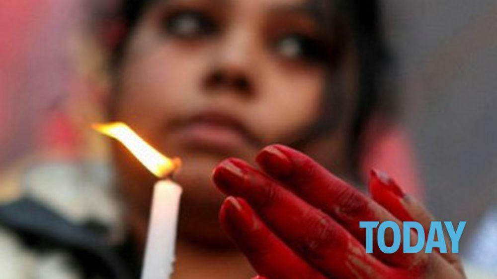 Bambina di 11 anni comprata e torturata le inserivano for Piani di progettazione domestica indiana con foto