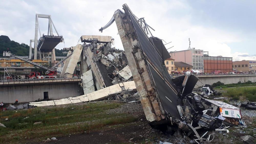 Genova le ultime notizie dopo il crollo famiglie - Si puo fare il bagno dopo mangiato ...