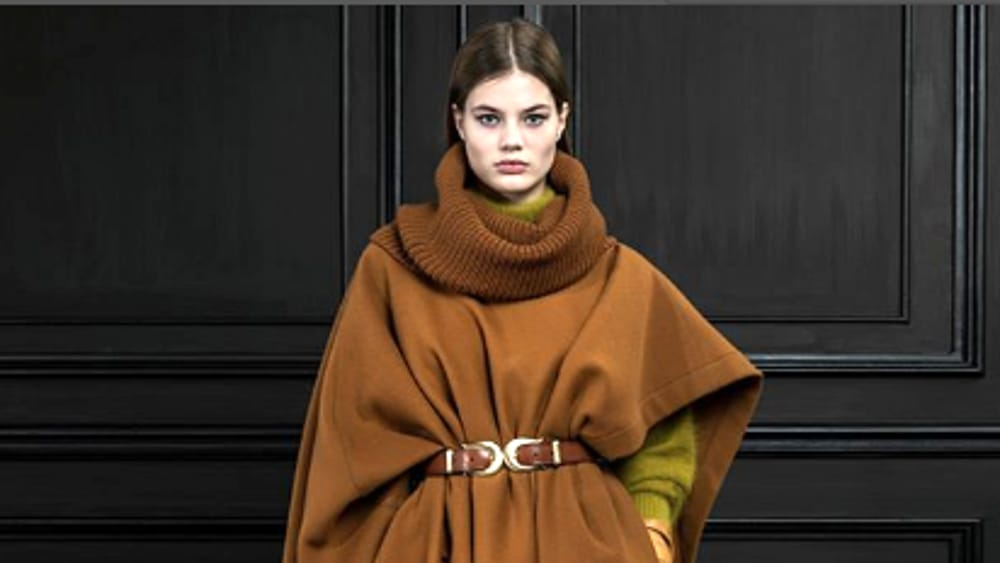 Moda: buttate il cappotto, ora si esce in coperta!