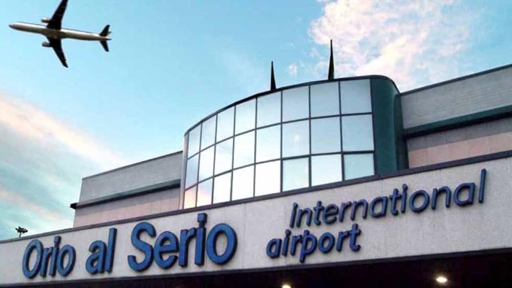 Airport Orio Al Serio : Cerca di salire con una bomba su un aereo per orio al