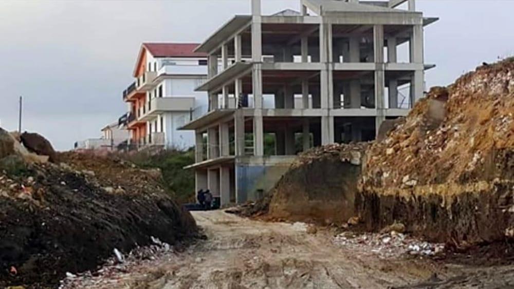 Terremoto del belice la protesta dei dimenticati a cinquant 39 anni dal sisma - Casa senza fondamenta terremoto ...
