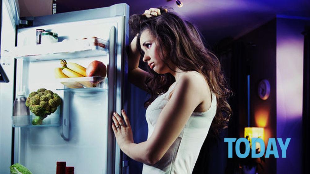 Chi è stressato ingrassa senza accorgersene: 8 errori da evitare