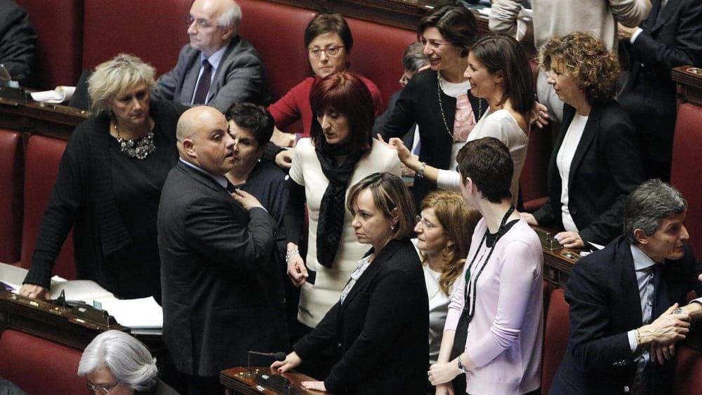 Poche donne nelle istituzioni non rispettata la legge for Deputate pd donne elenco
