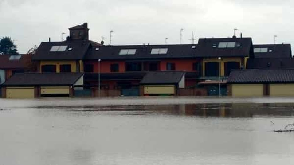 Moncalieri Alluvione A Tetti Piatti 1800 Persone